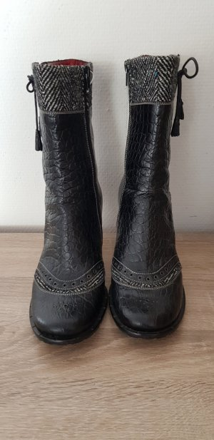 Made in Italy Winter Booties black
