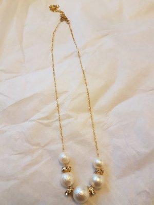 Gold-Kette mit Perlen und Gold-Elementen