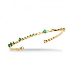 Goldarmband mit grünen Steinen