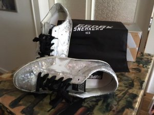 GOLDEN GOOSE DELUXE BRAND Super Star Sneakers in 39