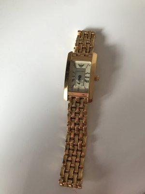 Goldene Armani Uhr