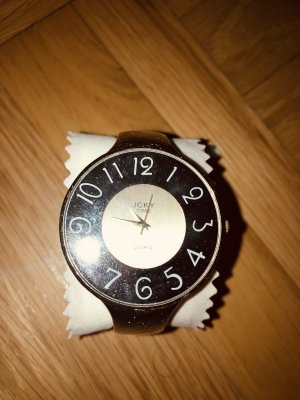 Goldene Armreif-Uhr