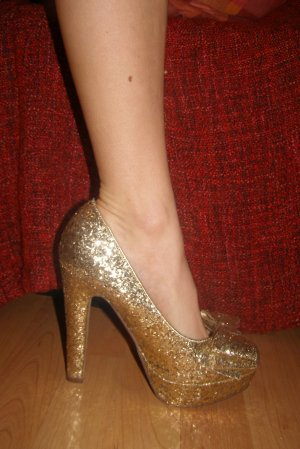 Goldene Catwalk Glitzer Plateau Heels