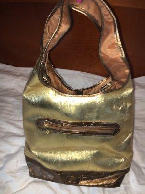 Goldene Einkaufstasche von Versace inspiriert