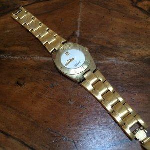 Goldene Esprit-Armbanduhr