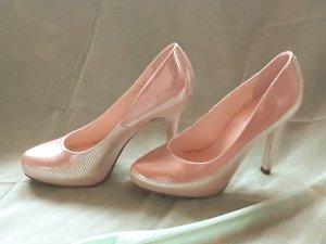 Goldene High heels . Preis VHB
