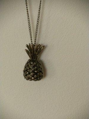 goldene Kette mit Ananasanhänger