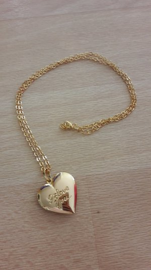 Goldene Kette mit Herzanhänger