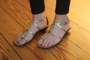 100% Fashion Sandalen goud