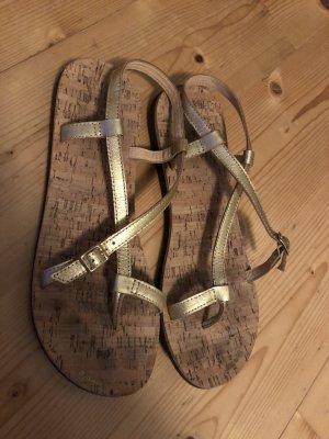 goldene Sandalen von flip`flop