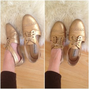 Goldene Schuhe Steve Madden
