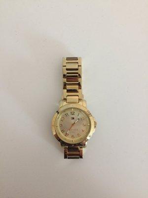 Goldene Tommy Hilfiger Uhr