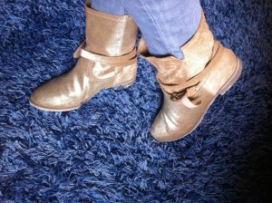 Goldene Wildleder Booties Slouch-Stiefeletten Ankle Boots