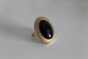 Goldener Ring im Vintage-Look mit schwarzem Stein