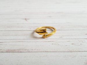 goldener Ring in Pfeil Optik NEU. Ungetragen!