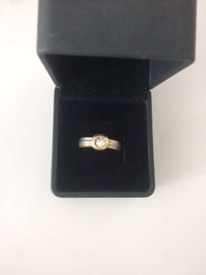 Goldener Ring mit weißem Strassstein neuwertig