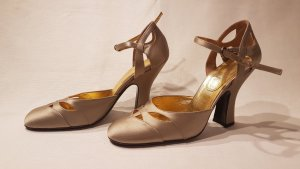 Goldener Satin Mary-Jane von Miu Miu in 39,5