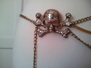 Goldener Totenkopf-Hüftgürtel mit Ketten