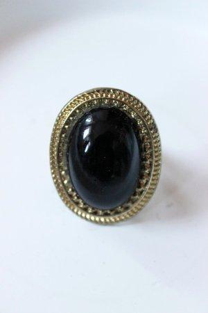 Goldener Vintage Ring mit schwarzem Stein Blogger