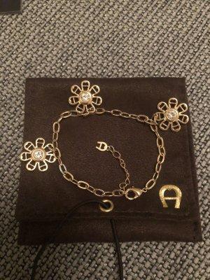 goldenes Armband von Aigner