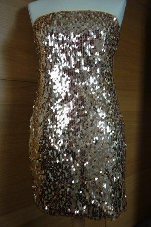 goldenes Kleid aus Pailletten