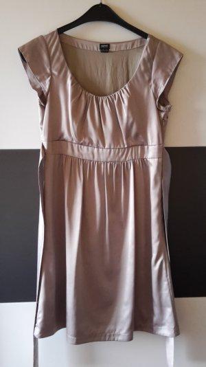goldenes Kleid von Esprit