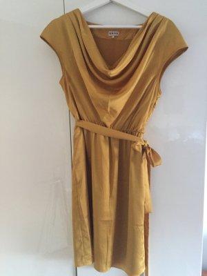 Goldenes Kleid von kiomi