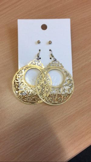 Goldenes Ohrring-Set