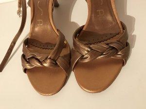 Goldfarbene Sandaletten