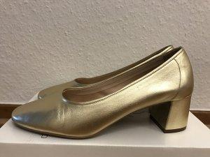 Goldfarbene Schuhe mit Blockabsatz von Topshop