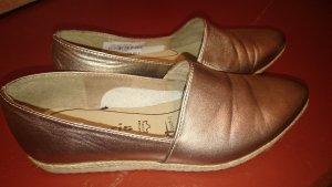Goldfarbene Slipper in Größe 37 von tamaris, nur einmal getragen!