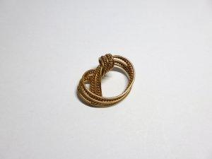 Goldfarbene Vintage Kleiderbrosche