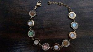 Goldfarbenes Armband in soften Frühlingsfarben!