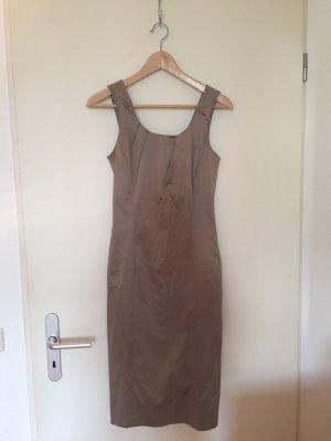 golfarbenes Kleid, figurbetont von Stefanel