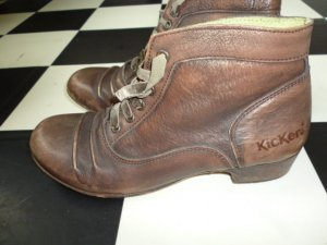 """Gr. 36/37 Kickers Schnür - Stiefelchen """"shabby chic""""  nicht wie neu, aber in fast hervorragendem Zustand Innensohle misst 24cm ist eine 37 aber evt. eher knapp"""