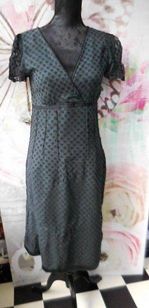 Gr. 36/38 schwarzes leichtes Kleid mit Punkten sehr guter Zustand seitl. RV PS. noch mehr Gepunktetes ist schon eingestellt... #punkte #gepunktet #tupfen #polkadots #pünktchen #sommerkleid #baumwollkleid