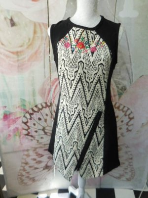 Gr. 38/40 DESIGUAL Kleid Übergang Winter - ein Traum sehr guter Zustand, vermesse auf Anfrage der Neupreis lag häher als bei vielen anderen Desigual Kleidern...