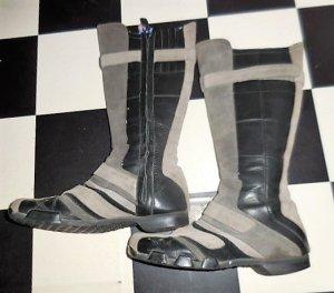 Gr. 38,5 / 39 D I E S E L schwarz Grautöne Wildlederstiefel sehr guter Zustand ist eine Grösse 39, haben mit Socken bei 38,5 gepasst hier Innensohlelänge 25,5cm zum vergleichen #diesel