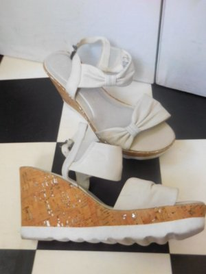 Marco Tozzi Comfort Sandals white-beige leather