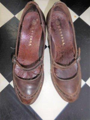 Gr. 38 NONSENS Mary Jane Pumps braun/aubergineTon, Leder, kaum getragen hoher NP  PS: Habe noch ein paar wenige andere Schuhe in Gr. 38 die endlich mal wieder getragen werden möchten.... Kleidung und Taschen auch
