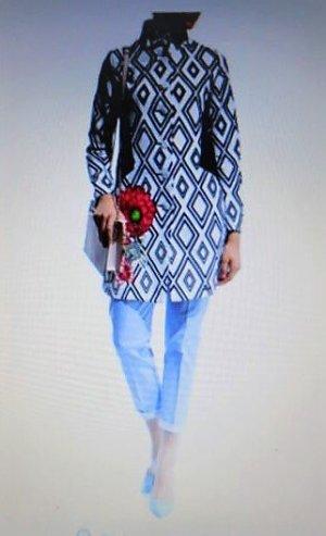 Gr. 40/42 Desigual leichtere längere Jacke /Kurzmantel schwarz weiss bunt sehr guter Zustand nur ganz selten getragen vermesse auf Anfrage PS. Habe noch andere tolle leichte Mäntel/Jacken eingestellt!!! #kurzmantel #langejacke #übergangsmantel #übergangsj