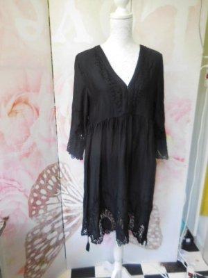 Gr. 40 42 Hallhuber Tunika Kleid schwarz wunderschön hoher Neupreis  auf Achselhöhe einfache Breite ca. 53cm, am Ausschnitt hat es Häkchen. der geraffte Teil sitzt höher als bei der Büste,  3/4 Ärmel Länge etwa 97cm Material 100% Viskose nicht dehnbar Als