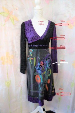 Gr. 40 Desigual Kleid s. Masse grau schwarz violett wunderschön auch am Rücken sehr guter Zustand kaum getragen das Grau ist nicht deckend (schaut auf dem Bild aus als wäre das Kleid verwaschen - ist es aber nicht)