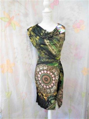 Gr. S Desigual Kleid neu superschön mit tollem Auschnitt, dehnbar, figurbetont  soll eine M sein, aber entspricht einer S