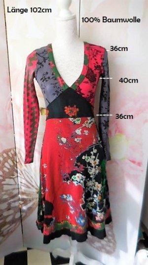 Gr. S/M Desigual Kleid rot sehr guter Zustand passt evt. auch bei M  s. Masse mehr tolle Teile (auch von desigual) sind schon eingestellt