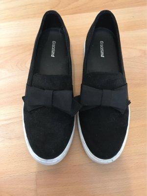 Graceland Lace-Up Sneaker black-white