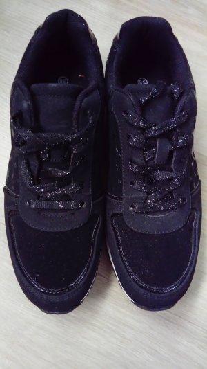 Graceland - schwarze Schuhe mit Glitzersternen