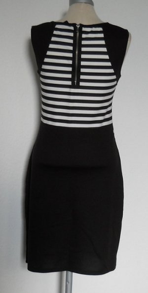 Grafik Kleid Gr. S M 36 schwarz weiß Streifen gothic Minikleid kurz Etuikleid