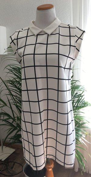 Grafisches Karo Kleid - EUR 42