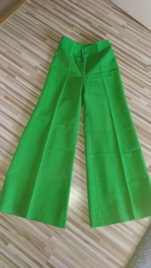Flares green